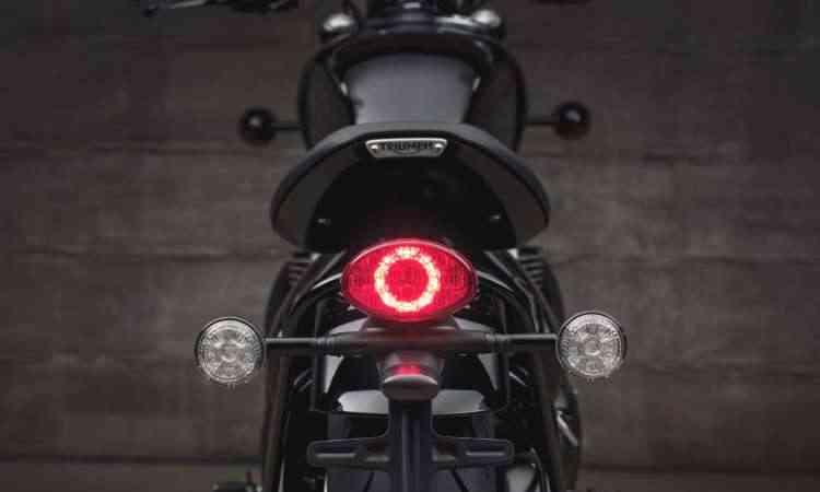 Lanterna traseira e as setas contam com LEDs - Gustavo Epifânio/Triumph/Divulgação