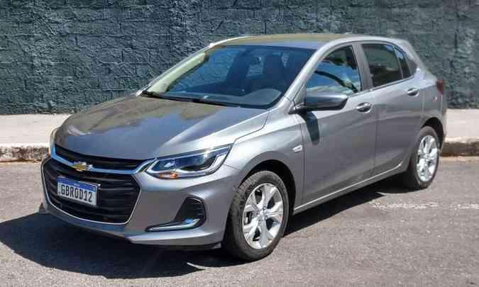 A produção do Chevrolet Onix ainda está suspensa, mesmo assim ele é o hatch compacto premium mais emplacado(foto: Pedro Cerqueira/EM/D.A Press)