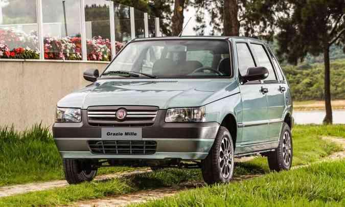 Uno 'clássico' se despediu em 2013 com a versão especial Grazie Mille(foto: Fiat/Divulgação)
