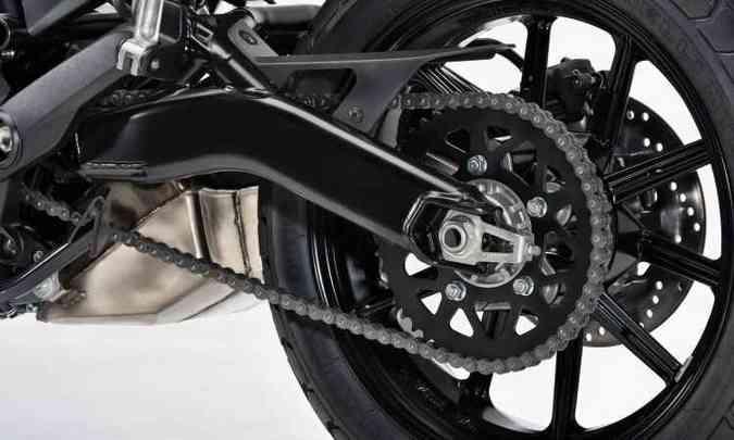 Na traseira, o sistema de freios conta com disco simples de 245mm(foto: Mario Villaescusa/Johanes Duarte/Ducati/Divulgação)