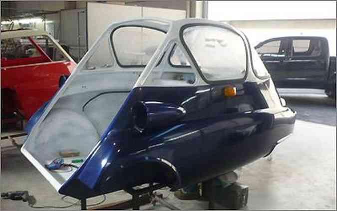 A carroceria mantém todas as características do pequeno modelo produzido a partir de 1956