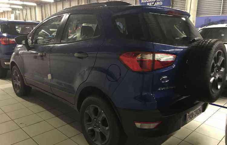 Pneu traseiro segue presente na nova geração do modelo e a Ford justifica prática como pedido dos clientes  - Jorge Moraes / DP