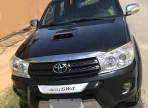 Toyota Hilux Sw4 Srv D4-d 4x4 3.0 Tdi Dies. Aut em Brasília/Plano Piloto, DF valor de R$ 103.000,00 no Vrum
