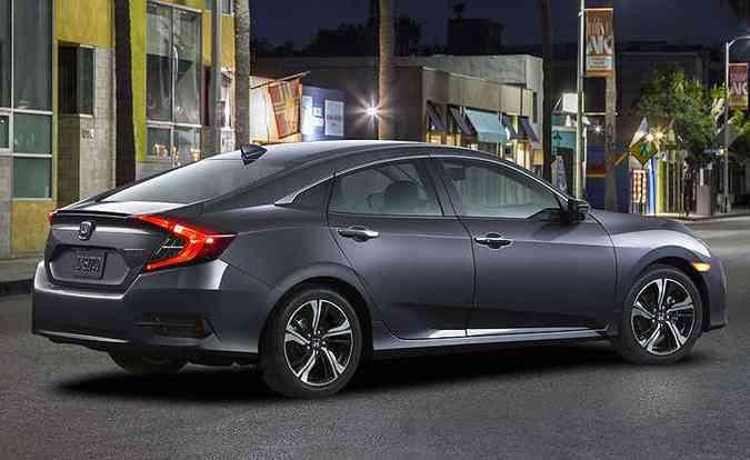 Honda Civic tem perfil fastback(foto: Honda/Divulgação)