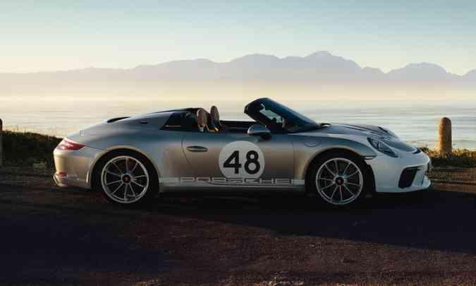 Quem gosta de personalizar o carro poderá escolher seu próprio número de corrida, com dois dígitos(foto: Porsche/Divulgação)