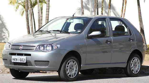 É preciso ter paciência e esperar longo tempo para adquirir Fiat Palio 1.0 com ABS e airbag -