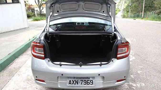 Porta malas tem capacidade para 510 litros