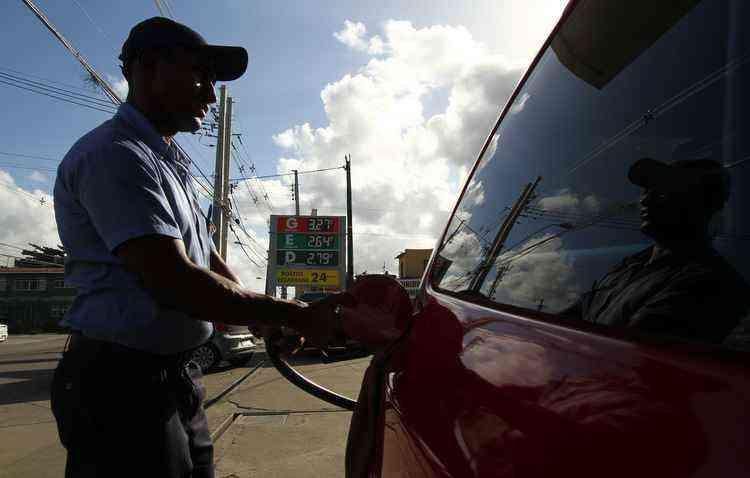 Taxas vão subir de R$ 0,3816 para R$ 0,7925 para o litro da gasolina - Peu Ricardo/DP