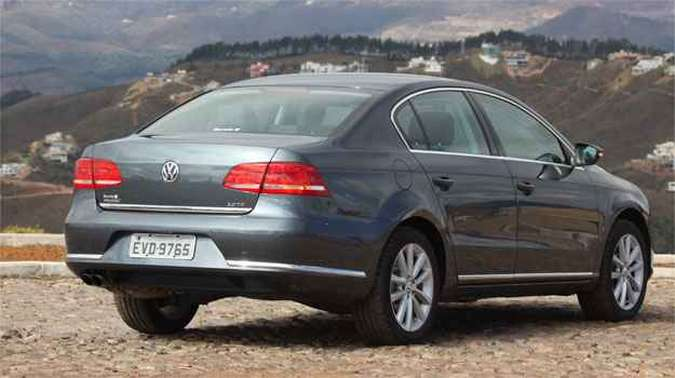 O Volkswagen Passat 2.0 TSI tem preço sugerido de R$ 106.700. Com todos os opcionais chega a R$ 138.262.(foto: Marlos Ney Vidal/EM/D.A Press)