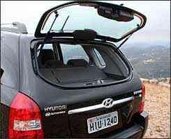 Abertura independente do vidro facilita colocação de bagagem -