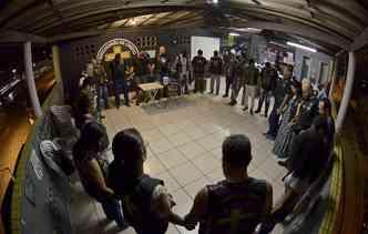 Reunião de Oração é feita por todos os membros do ECMM. Foto: Daniel Tavares / ECMM