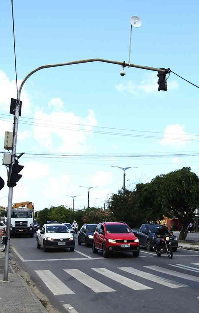 Semáforos ajudam a verificar a retomada do veículo. Foto: Julio Jacobina/DP(foto: Julio Jacobina/DP)