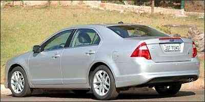 Ford Fusion tem traseira mais alta e lanternas triangulares - Fotos: Marlos Ney Vidal/EM/D.A Press