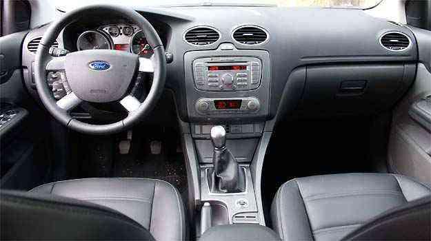 A maioria dos comandos fica ao alcance das mãos e direção pode ser calibrada conforme tipo de condução -