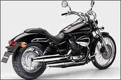 Com visual limpo, nova moto tem farol e pára-lamas menores -