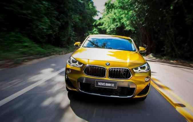 O veículo consegue atingir a velocidade máxima de 225 km/h. Foto: BMW/ Divulgação