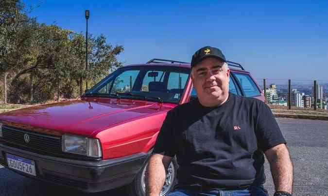 Adriano Castelo Branco Resende se diz apaixonado por carros e tem orgulho de ter preservado a Quantum que pertenceu ao tio(foto: Jorge Lopes/EM/D.A Press)