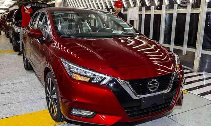 O novo Versa é produzido na fábrica de Aguascalientes, no México, e será vendido no Brasil a partir de novembro(foto: Nissan/Divulgação)
