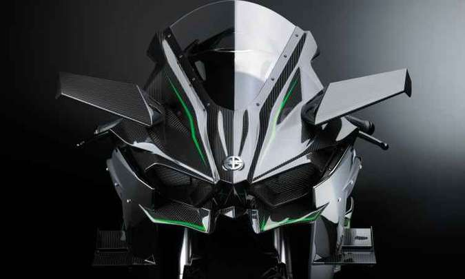 A aerodinâmica inclui asas e aletas para segurar a moto no chão(foto: Kawasaki/Divulgação)