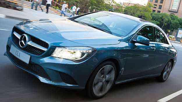 O Mercedes CLA 200 tem estilo mais agressivo, para conquistar o público jovem - Estúdio Malagrine/Mercedes-Benz/Divulgação