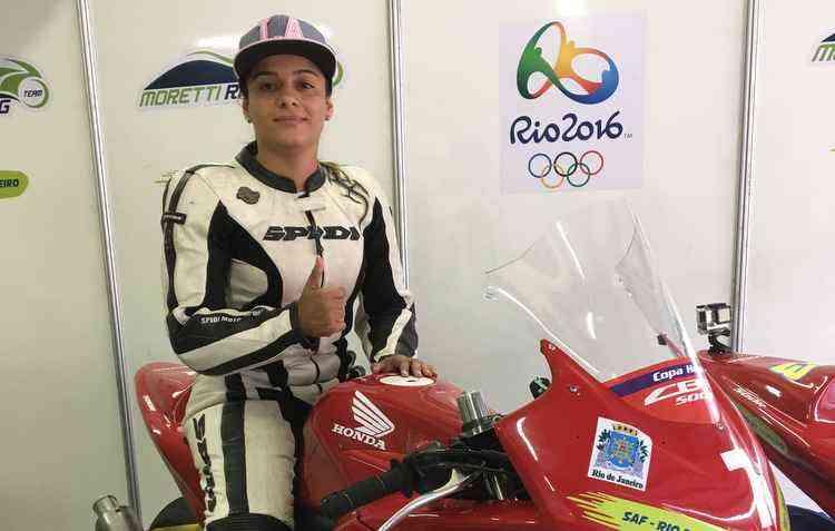 Akyare se apaixonou pela motovelocidade em 2013 - Akyare Macena/Divulgação