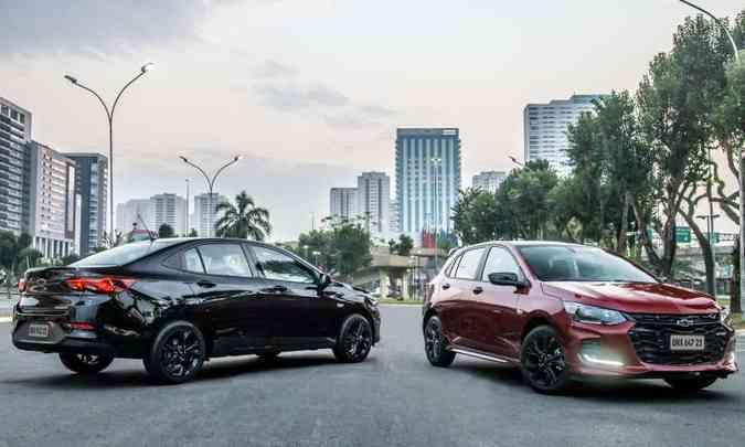 O sedã Onix Plus ganha a série especial Midnight e o hatch a versão esportivada RS(foto: Chevrolet/Divulgação)