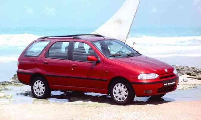 O primeiro modelo foi lançado em 1997 e logo passou a liderar o segmento de peruas(foto: Fiat/Divulgação)