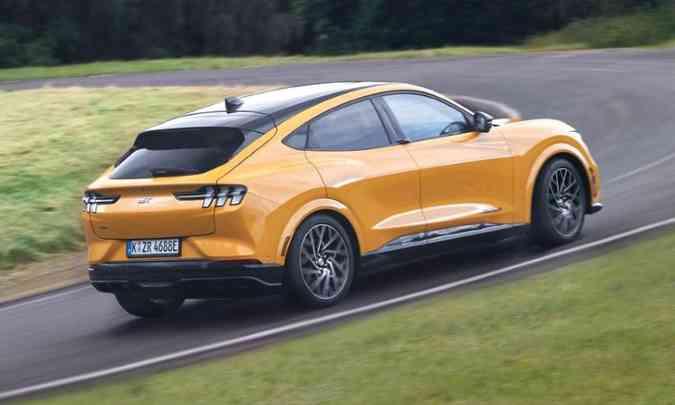 O SUV elétrico tem no design um de seus destaques, e deve chegar ao Brasil em 2022(foto: Ford/Divulgação)