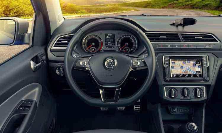 Painel segue a filosofia driver oriented com central multimídia de tamanho variável - Volkswagen/Divulgação