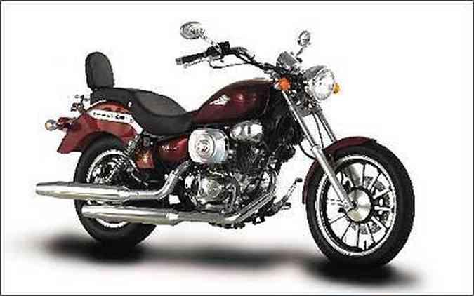 Custom V-Blade chega com novo estilo e motor com injeção eletrônica