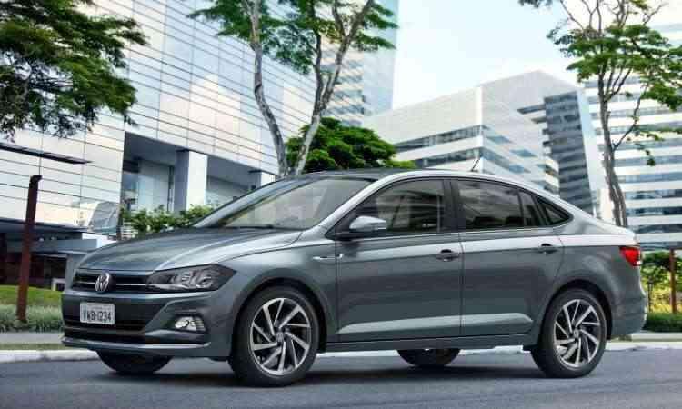 Volkswagen Virtus usa a mesma plataforma e conjunto mecânico do Polo, mas é maior, com porta-malas de 521 litros - Volkswagen/Divulgação