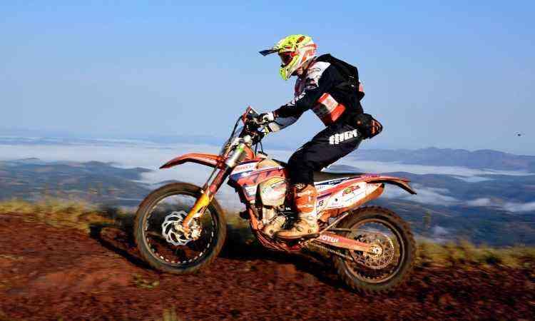 As motocicletas são exigidas, assim como os pilotos - Janjão Santiago/Y. Sports/Divulgação