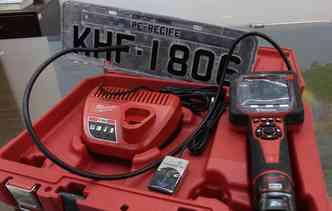 Sistema eletrônico consegue identificar se a placa, o chassi e o número do motor, por exemplo, estão corretos(foto: Paulo Maciel / Detran/PE)