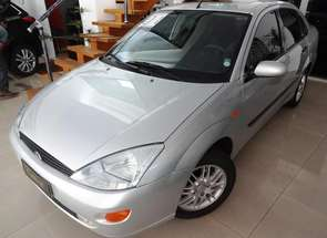 Ford Focus Ghia Sed. 2.0 16v/ 2.0 16v Flex 4p em Londrina, PR valor de R$ 16.500,00 no Vrum