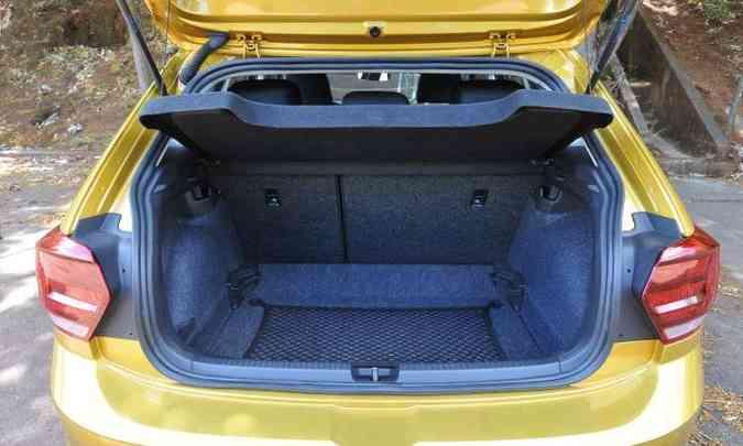 Porta-malas tem sistema de ajuste variável de espaço, mas é opcional(foto: Jair Amaral/EM/D.A Press)