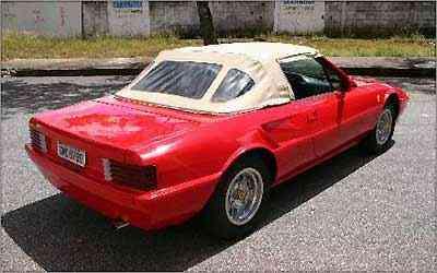As linhas eram inspiradas na Ferrari Mondial Cabriolet, um hit dos anos 80 -