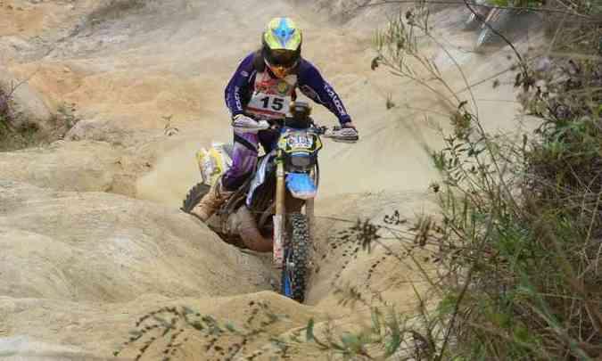 A superação dos obstáculos é uma constante no percurso(foto: Léo Tavares/Corrosivo Filmes/Divulgação )