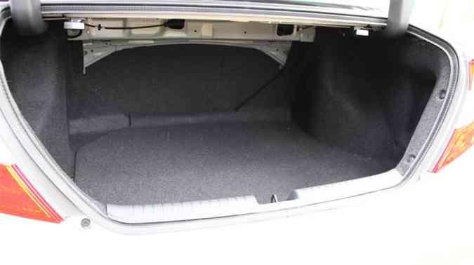 A capacidade do compartimento de carga aumentou para 449 litros(foto: Marlos Ney Vidal/EM/D.A Press)