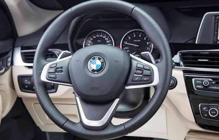 Parking Assistant é de série nas duas versões. Foto: BMW / Divulgação -