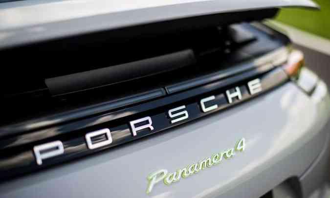 Aerofólio na traseira ajuda a manter o carro agarrado ao chão em velocidades mais altas(foto: Porsche/Divulgação)