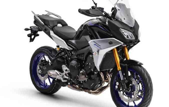 A moto chega ao mercado com piloto automático que controla a velocidade da quarta marcha em diante, entre 50 km/h e 180 km/h. Foto: Yamaha/ Divulgação