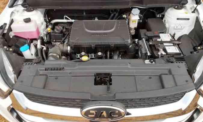 Motor 1.6 16V bebe só gasolina e tem consumo dentro da média(foto: Pedro Cerqueira/EM/D.A Press)