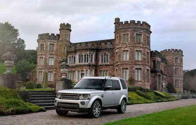Discovery possui duas opções de motorização: 5.0 V8 a gasolina e o 3.0 V6 turbodiesel  - Land Rover/divulgação