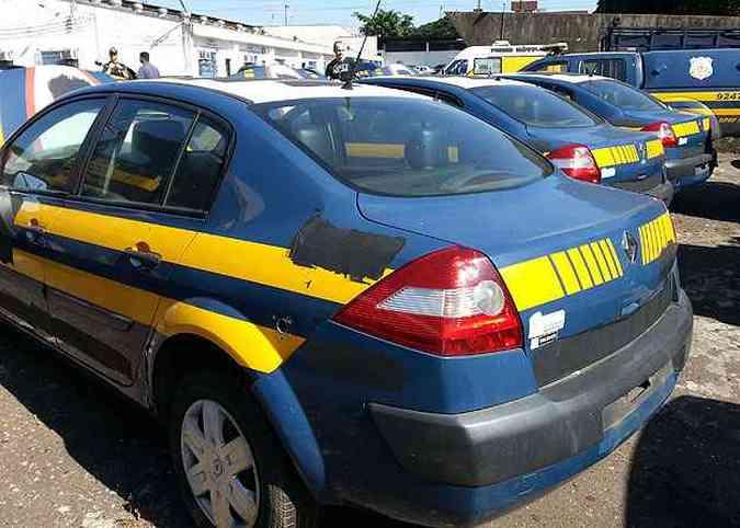 Renault Megane Expression 2.0 - 2009 - R$ 2.900(foto: Thiago Ventura/EM/D.A Press)