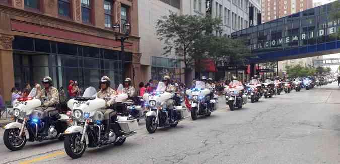 A Harley-Davidson, que equipa as polícias do mundo inteiro, abre o desfile de encerramento(foto: Téo Mascarenhas/EM/D.A Press)