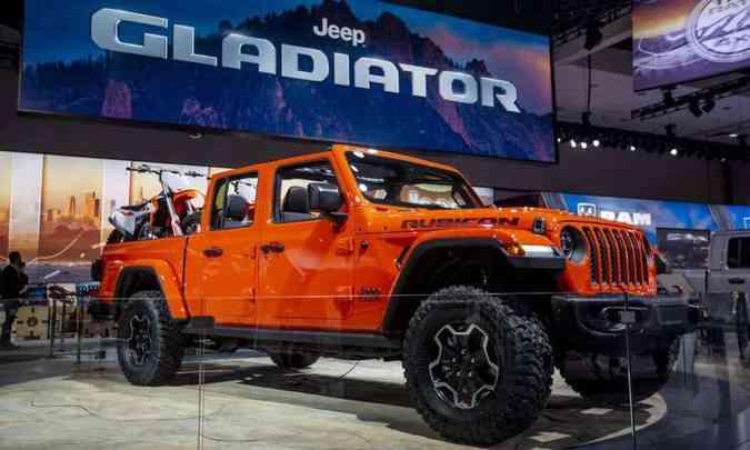 A picape Gladiator, derivada do Wrangler, terá motor V6 3.6 litros, a gasolina, de 289cv(foto: Los Angeles Auto Show/Divulgação)