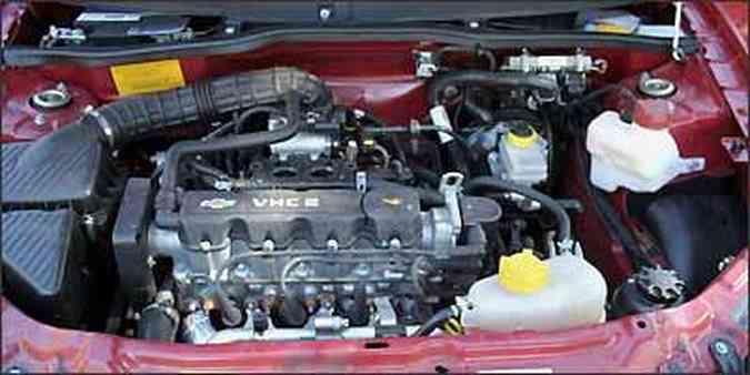 Motor 1.0 VHCE, de 77 cv (gasoline) e 78 (álcool), oferece bom desempenho(foto: Marlos Ney Vidal/EM/D.A Press - 29/07/2009 )