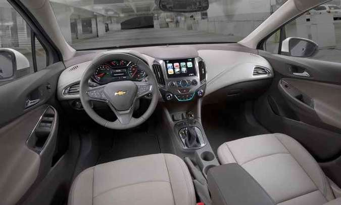 Painel traz telas de 8 polegadas do sistema multimídia e de 4,2 pol. no computador de bordo(foto: Chevrolet/Divulgação)