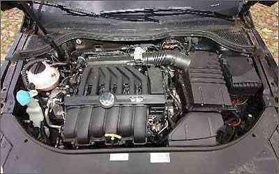 O motor V6 3.6 gera bons 300 cv de potência e 35,6 kgfm de torque, despejado nas quatro rodas -