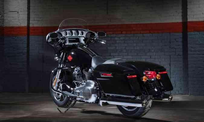 Malas laterais na cor da moto integram o estilo touring(foto: Harley-Davidson/Divulgação)